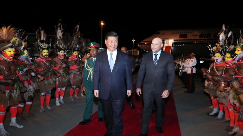 习近平抵达莫尔兹比港开始对巴布亚新几内亚独立国进行国事访问