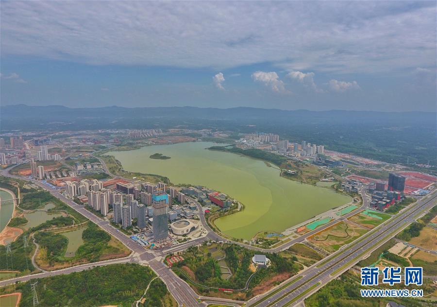 """(新华全媒头条·图文互动)(2)西部有个新的""""圈""""——成渝加快双城经济圈建设"""