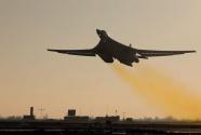俄军图160轰炸机巡航北欧海域 滞空飞行超过8小时
