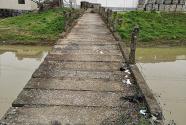 农村心惊桥:危旧难拆,刚建就坏
